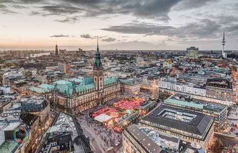 Der Hamburger Weihnachtsmarkt von oben HDR