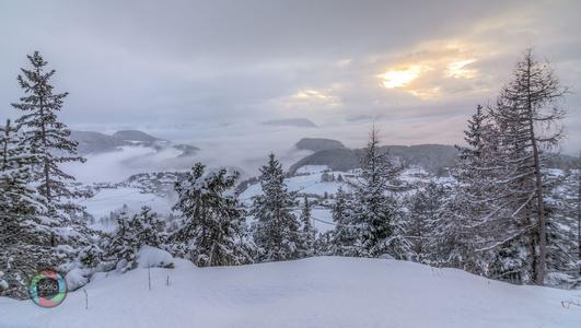 HDR Aufnahme der Winterlandschaft über Meran, Italien