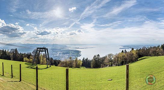 HDR Panorama des Bodensees vom Pfänder aus gesehen