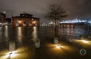 Überfluteter Hamburger Fischmarkt während des Sturms Xaver 2013