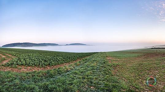Morgenstimmung mit Bodennebel HDR Panorama
