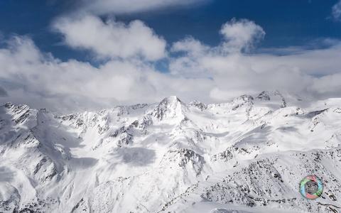 Wolken über den Gipfeln der Schnalstaler Berge, Italien